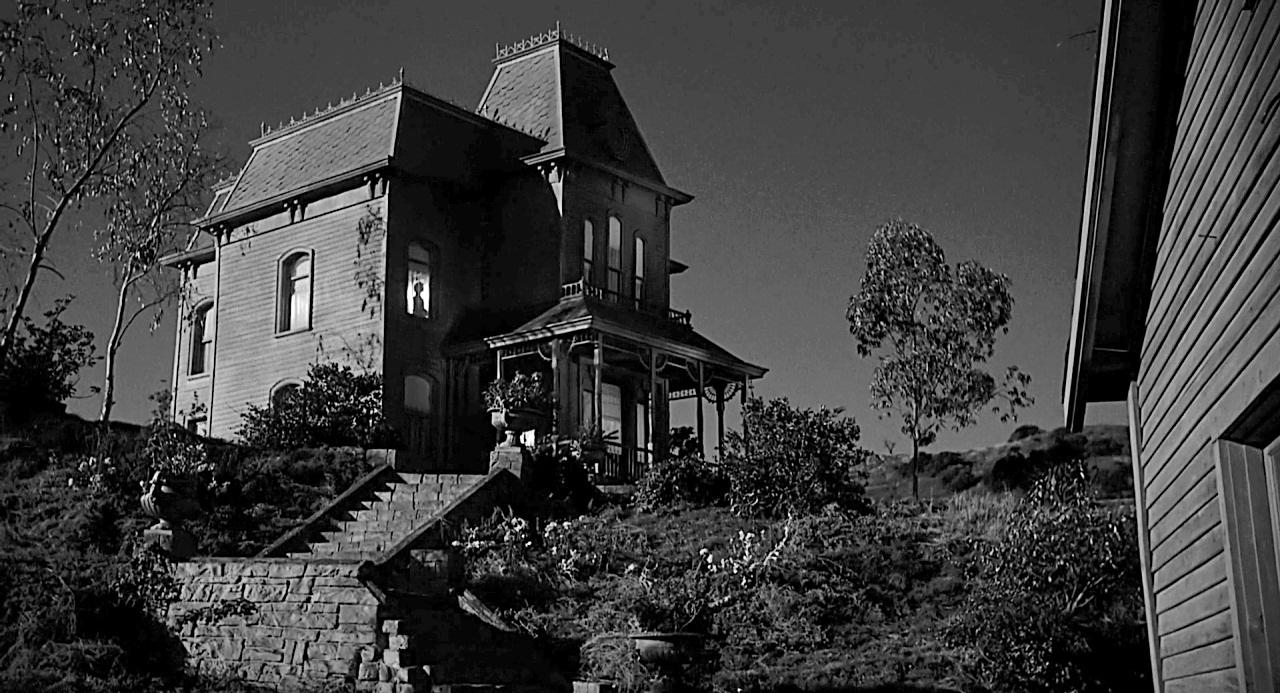 Horror movie houses 81